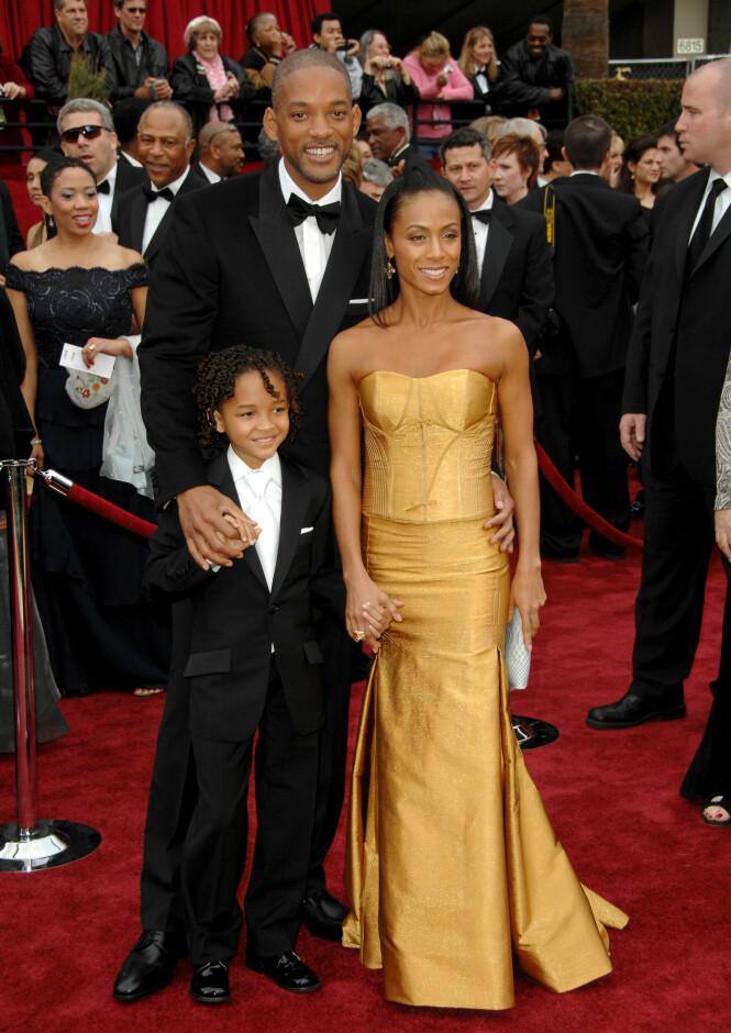 <strong>TRIO:</strong> Her er Will Smith og kona Jada Pinkett Smith avbildet sammen med sønnen Jaden Smith i 2007. Foto: NTB Scanpix