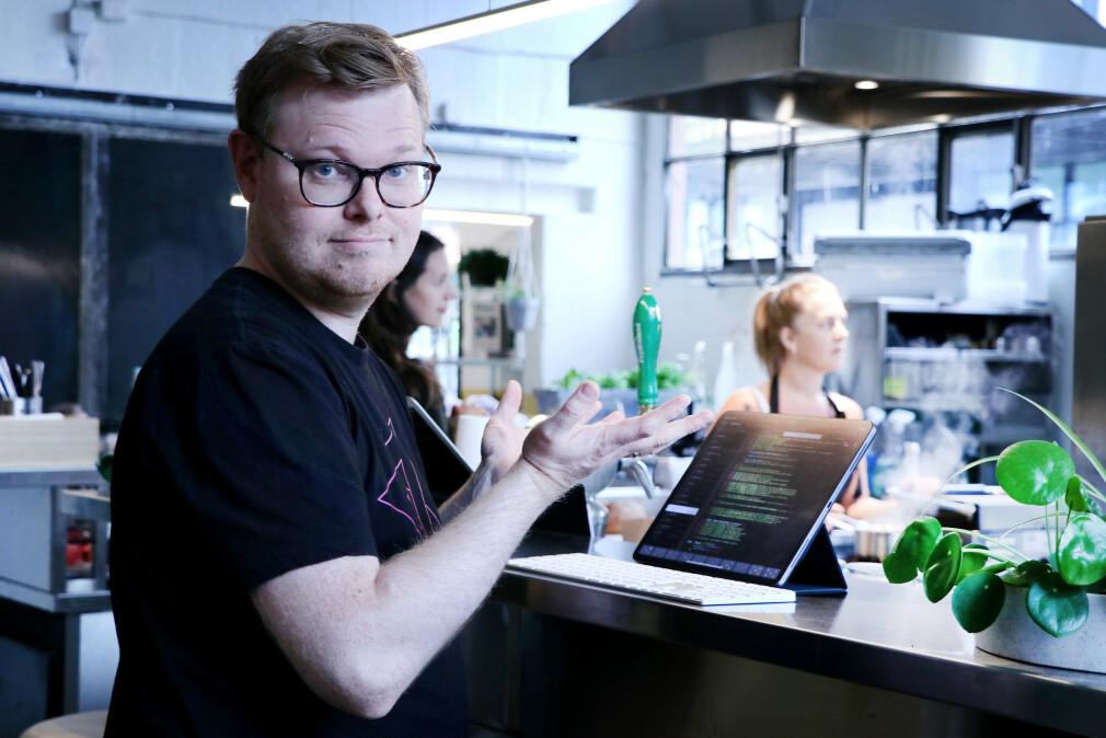 """Kan man egentlig kode på iPad? Jørgen utforsker spørsmålet på sin svindyre iPad Pro 12,9"""". 📸: Ole Petter Baugerød Stokke"""