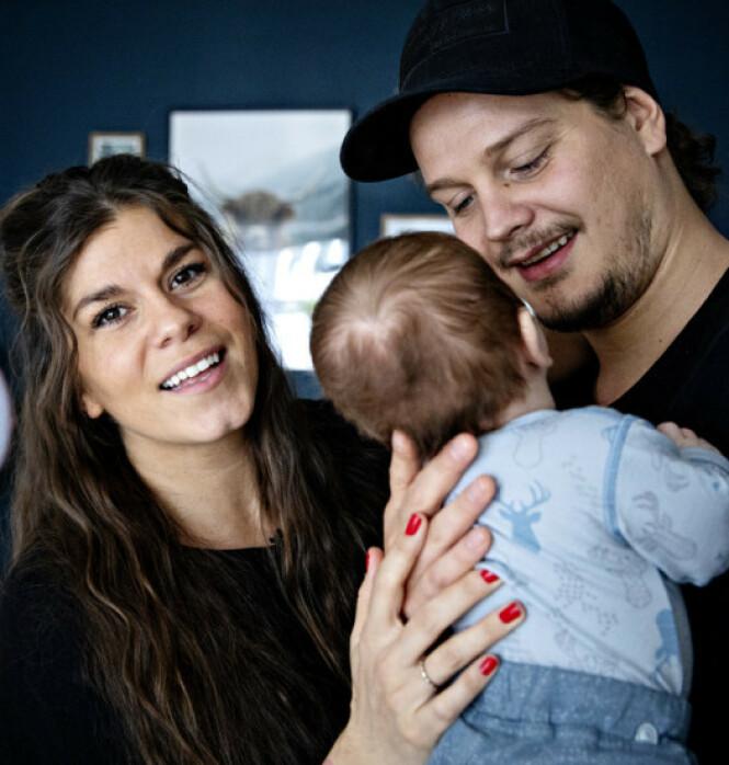 <strong>SPISER PLANTEBASERT:</strong> Kristin Gjelsvik og Dennis Poppe ser for seg at sønnen også vil spise plantebasert. Foto: Nina Hansen / Dagbladet