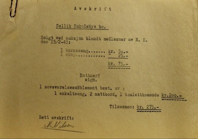 SVART PÅ HVITT: Dette dokumentet viser at NS-medlemmer kjøpte eiendelene som ble beslaglagt etter at Sakolsky-familien ble arrestert og deportert. FOTO: Jødisk Museum