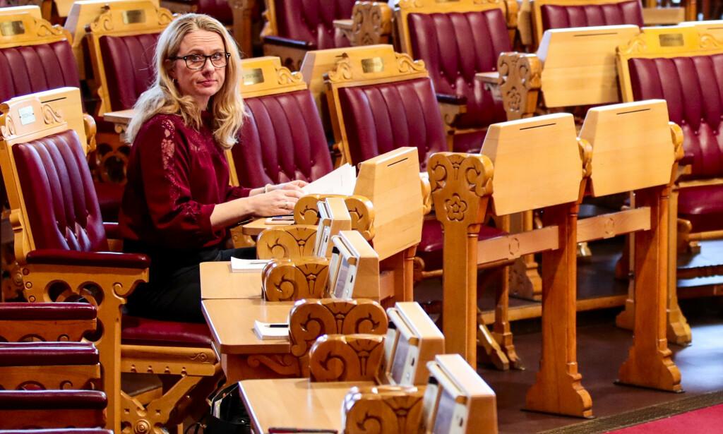NYTT FORSLAG: Arbeids- og sosialminister Anniken Hauglie vil kutte minstesatsen i AAP-ordningen for unge under 25 år. Foto: Lise Åserud/NTB scanpix.
