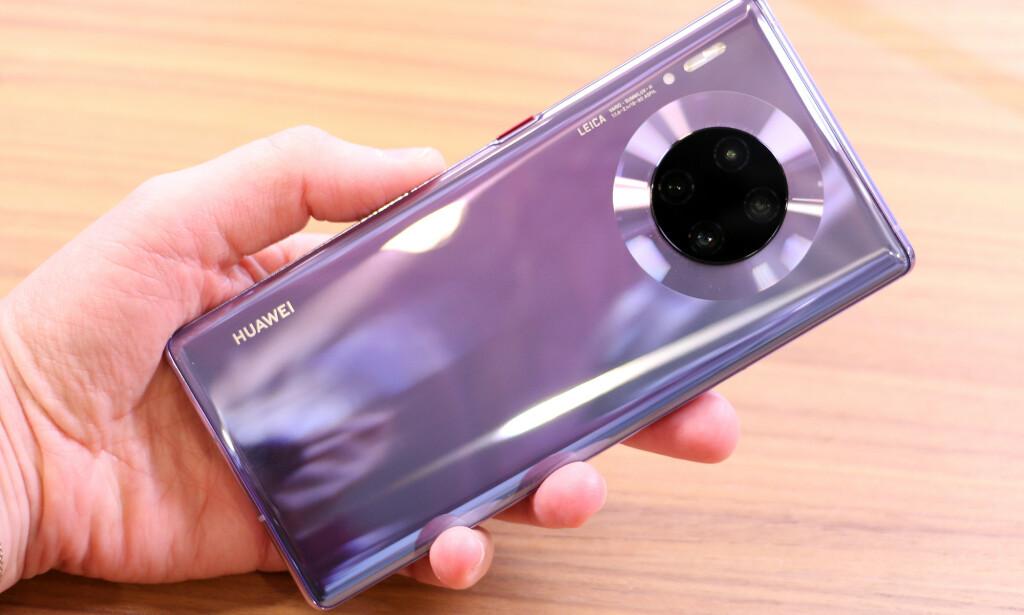 IKKE TIL NORGE: Denne mobilen skulle egentlig ha blitt lansert i Norge i høst, men på grunn av Googles Huawei-stopp, er er usikkert om den noensinne vil komme i salg. Foto: Kirsti Østvang