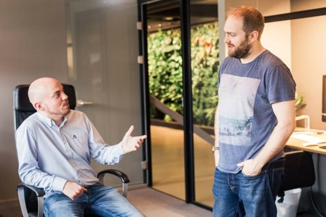 Spillutviklerne Skjalg Sturlasson Mæhre og Håvard Christensen i Agens Games. 📸: Agens Games