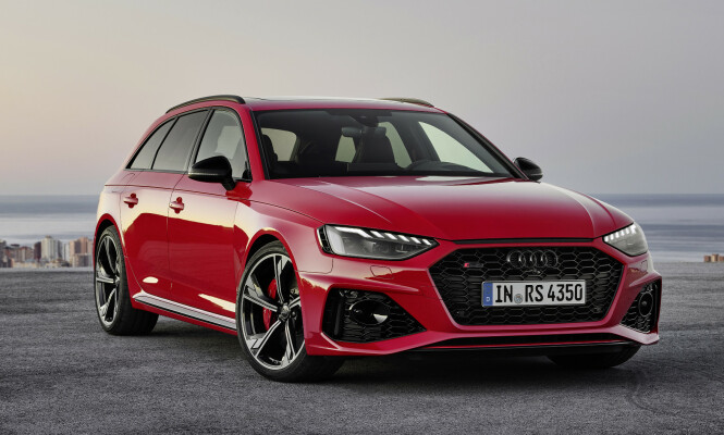 <strong>SISTE SKUDD:</strong> Audi har nettopp offentliggjort de første bildene av råtass-utgaven av A4 Avant, RS4. Foto: Audi AG