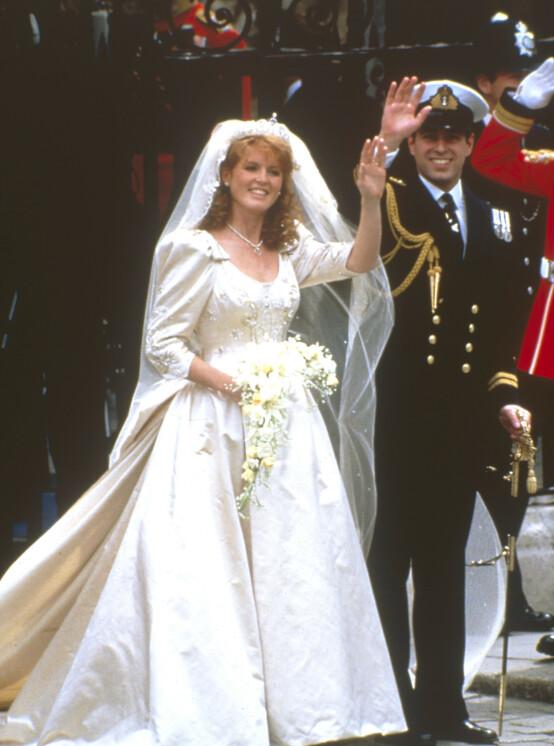 SKILSMISSE: I 1986 giftet prins Andrew seg med Sarah Ferguson, som etter alt å dømme var perfekt for kongefamilien. Ekteskapet gikk imidlertid ikke helt knirkefritt, og paret skilte lag ti år seinere. Foto: NTB Scanpix