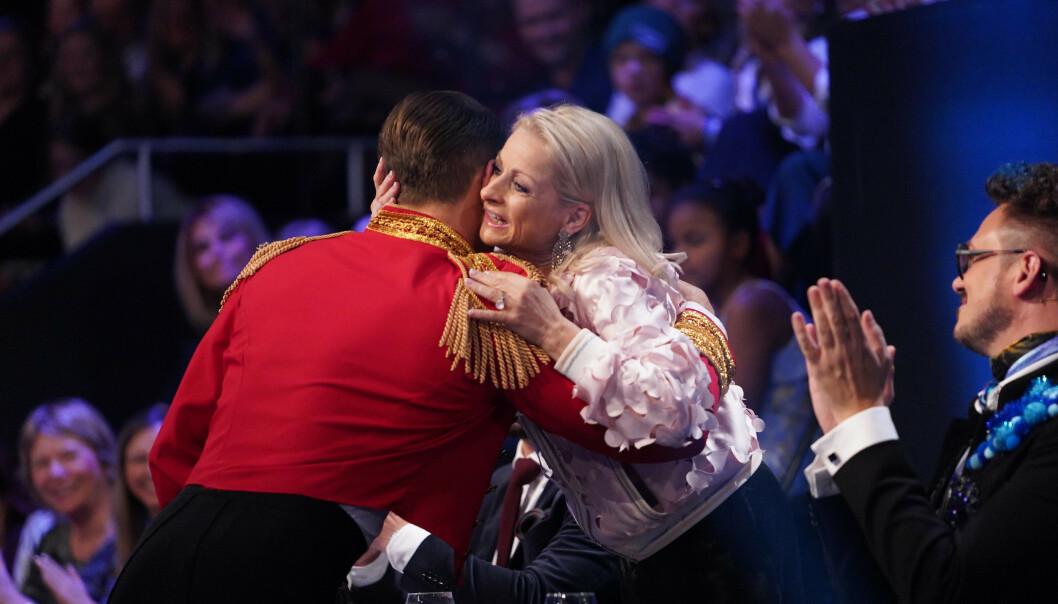 <strong>KLEM:</strong> Merete Lingjærede måtte klemme Hetland etter opptredenen. Foto: NTB scanpix
