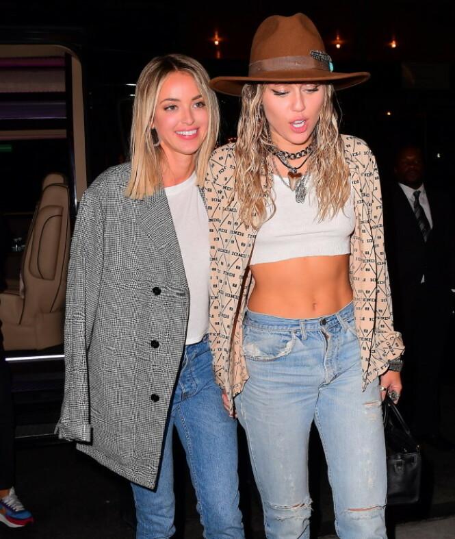 TOK SLUTT: Forholdet mellom Kaitlynn Carter og Miley Cyrus skal ha tatt slutt etter én måned. Foto: NTB Scanpix