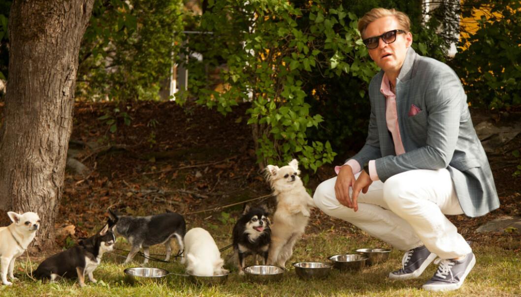 VELLYKKET FINANSMANN: Tobias Santelmann spiller den vellykkede finansmannen Henrik, som har både kone og barn. På fritida liker han prostituerte, kokain og høy fart. Foto: Ingeborg Klyve / Fremantle / NRK