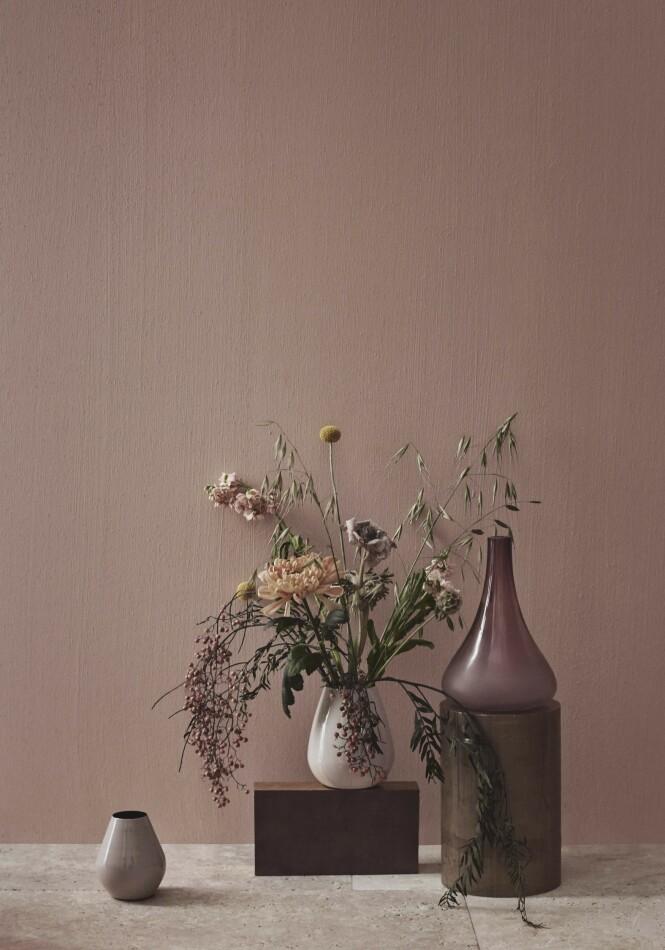 Vasene og boksene er fra 2020-kolleksjonen til Bolia. Nydelig! FOTO: Produsenten
