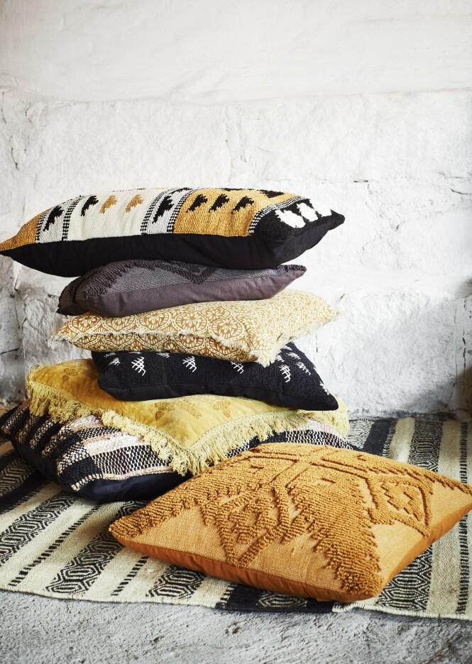 Puter og teppe fra Madam Stoltz (fra kr 450). FOTO: Produsenten