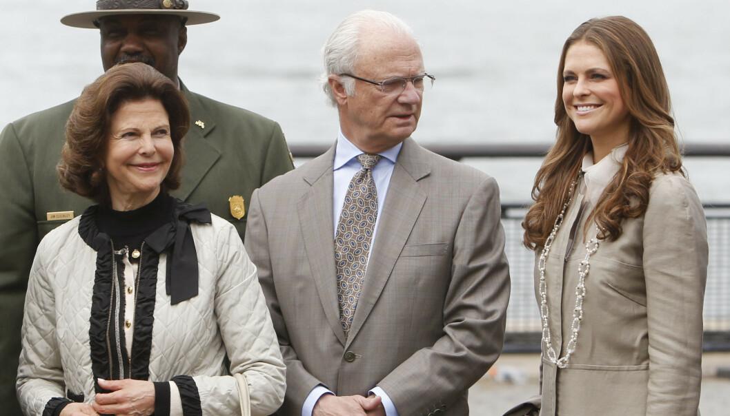 <strong>UT AV FAMILIEN:</strong> Det var mange som fikk seg et sjokk da det i formiddag ble kjent at prinsesse Madeleine og prins Carl Philips barn ikke lenger skal regnes som kongelige. Foto: NTB Scanpix