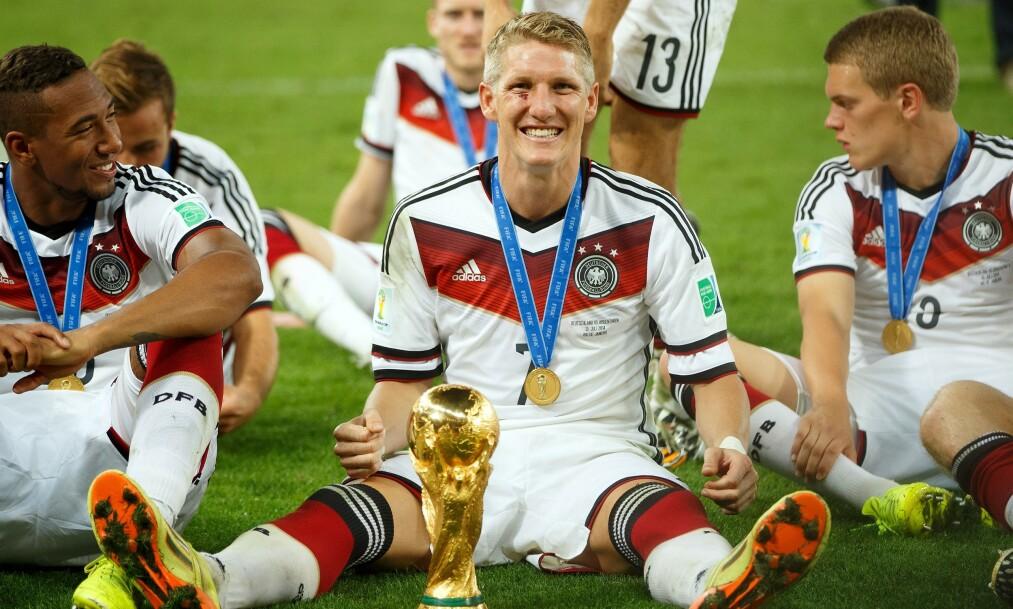 LEGGER OPP: Bastian Schweinsteiger legger opp. Han har blant annet vunnet Champions League med Bayern Munchen og VM med Tyskland. Foto: Ben Queenborough / BPI / REX / NTB Scanpix