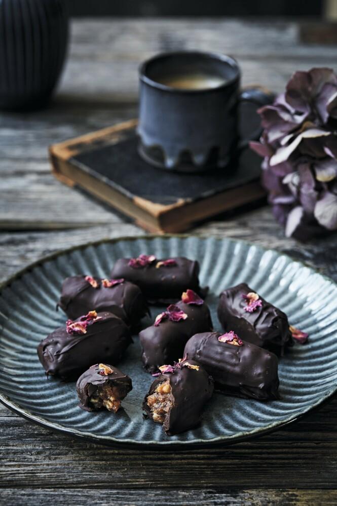 Disse lager du uten å bruke ovnen. Og det er noen deilige små godbiter. Tips! Disse er gode til kaffen og fine å ha stående i kjøleskapet. FOTO: All over press