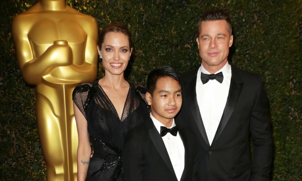DEN GANG DA: Her er Maddox Jolie-Pitt sammen med sine berømte foreldre på rød løper i 2013. Foto: NTB Scanpix