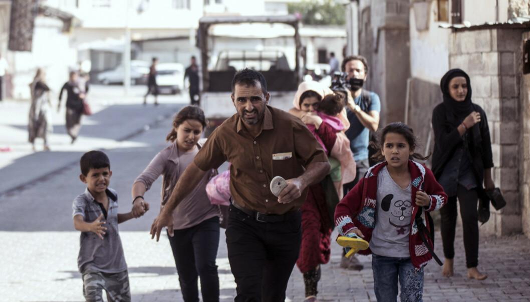 Titusener på flukt fra tyrkisk offensiv i Nord-Syria