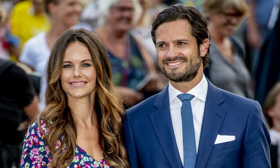 TAR AVSTAND: Kort tid etter at kongen offentliggjorde endringer i kongehuset, deler prinsesse Sofia og prins Carl Philip et lengre innlegg om netthets. Foto: NTB Scanpix