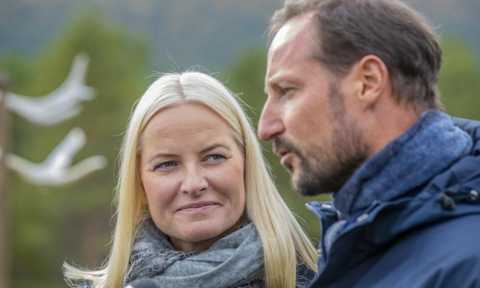 KRONISK SYK: For ett år siden ble det kjent at kronprinsesse Mette-Marit hadde fått påvist kronisk lungefibrose. Sykdommen har endret synet hennes på flere ting. Foto: NTB Scanpix