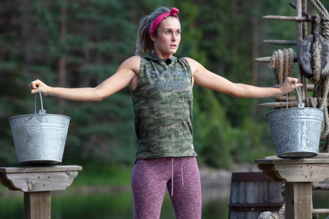BOMMERT: Stine Alice Claussen-Væringstad forseglet sin egen «Farmen»-skjebne etter et ukonsentrert øyeblikk. Foto: TV 2 / Alex Iversen