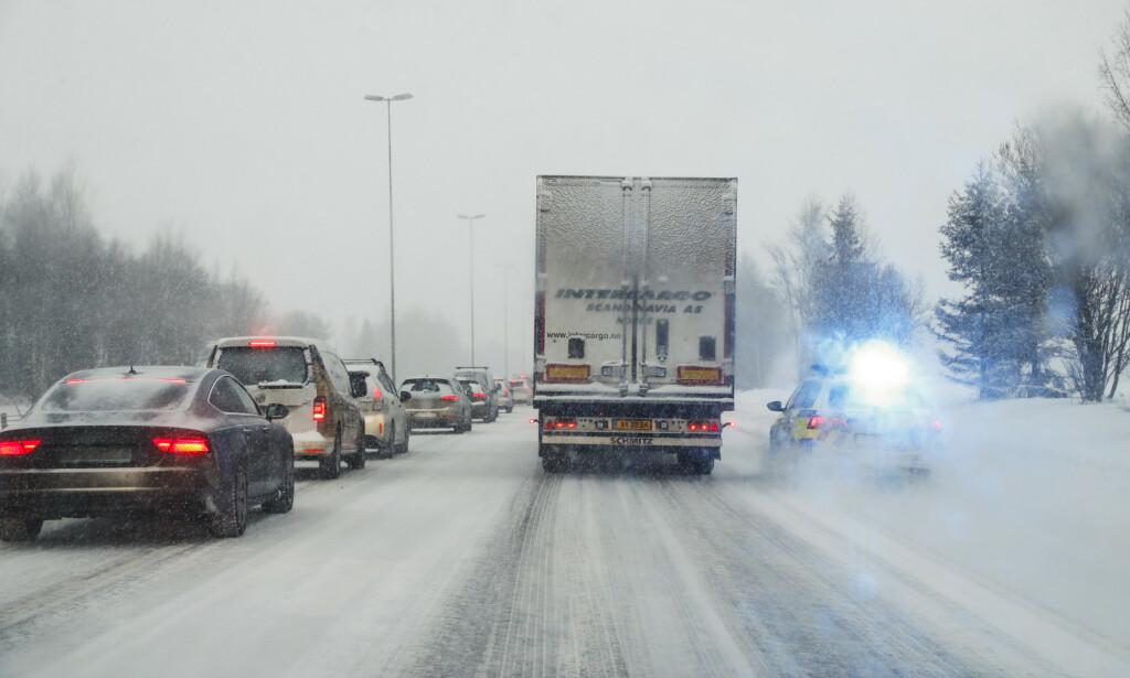 Fra november 2020 blir det strengere krav til vinterdekk for vogntog på norske veier. Foto: Heiko Junge / NTB scanpix