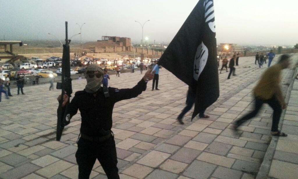 VIL GJENREISE SEG: IS-ledelsen har planer om å gjenreise seg, ifølge etterretningssjefen for den irakiske hæren. Foto: REUTERS / Stringer / NTB scanpix