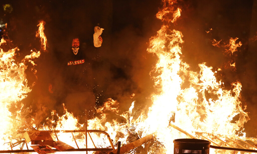 For fjerde dag på rad var det store demonstrasjoner i Barcelona. Foto: AP / NTB scanpix
