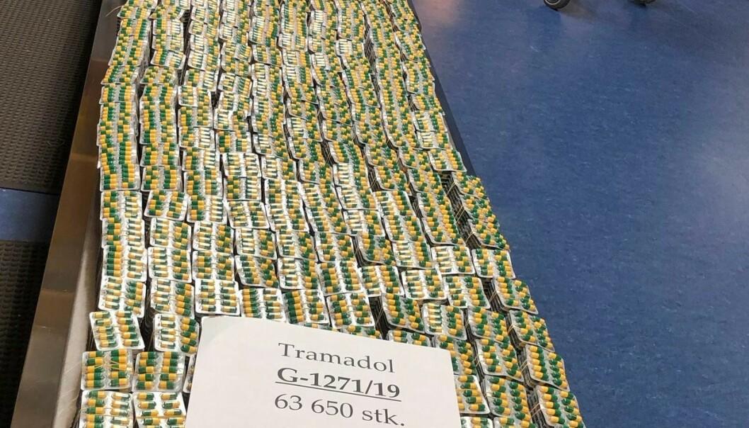 129.580 tabletter med det smertestillende medikamentet Tramadol ble beslaglagt av tollere på Oslo lufthavn 13. oktober. Foto: Tolletaten / NTB scanpix.