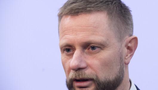 Helseministeren går kraftig ut mot homohets