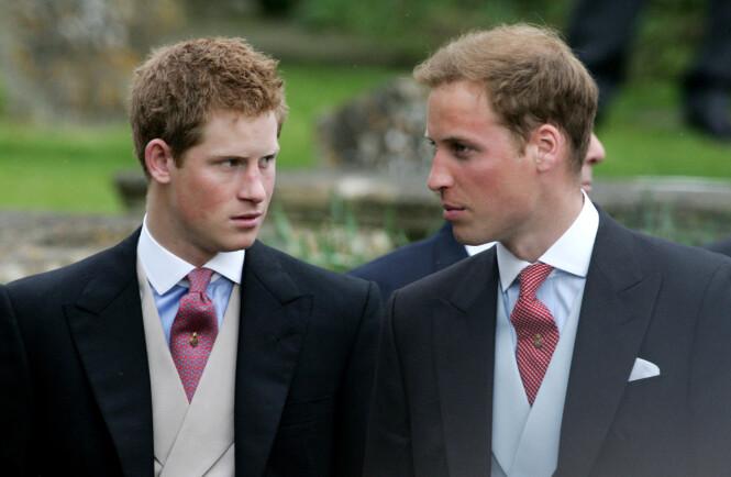 UTTALTE SEG OM RYKTENE: I den nye dokumentaren uttalte prins Harry seg om forholdet til storebroren, prins William. Her er de to prinsebrødrene avbildet i 2012. Foto: NTB Scanpix