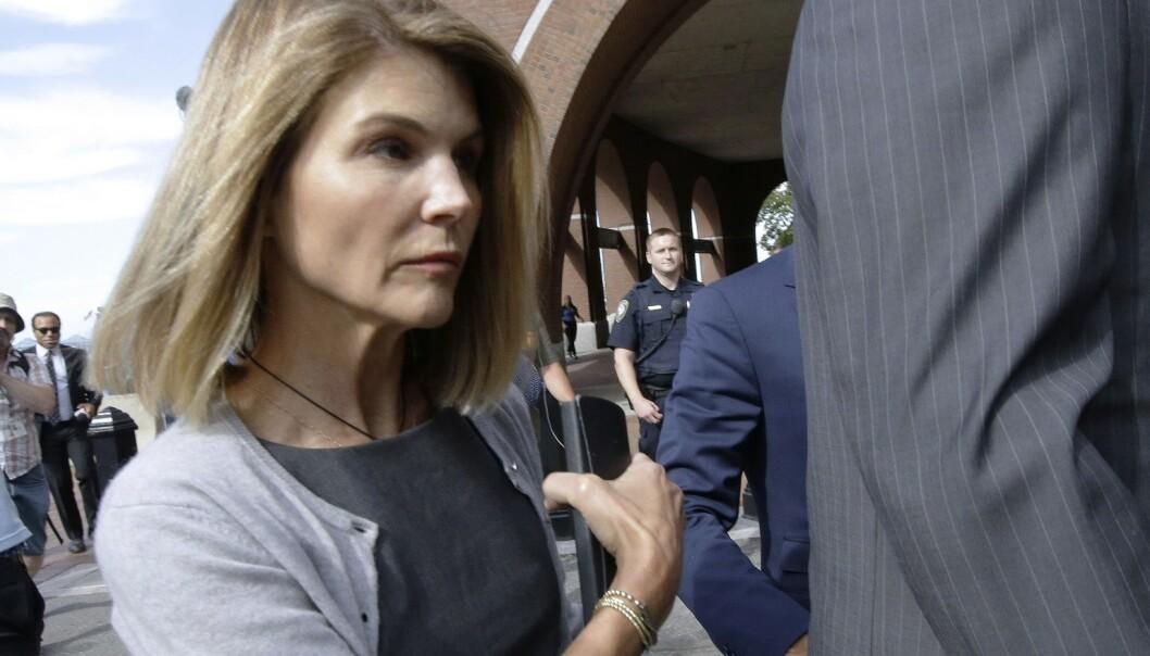 Nye anklager motLori Loughlin i collegeskandalen