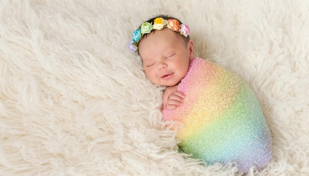 <strong>REGNBUEBABY:</strong> I USA er det ikke uvanlig at foreldre hedrer sine regnbuebarn med egne fester. FOTO: NTB Scanpix
