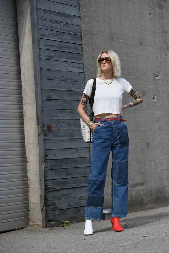 KULE DETALJER: Legg merke til detaljene på jeansen. Foto: Scanpix