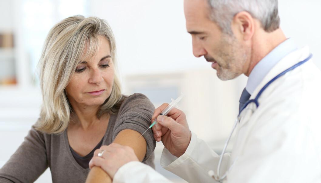 OVER 65? Da bør du vaksinere deg mot årets sesonginfluensa. Under 65? Sjekk lista under om du har en sykdom som kan forverres av influensa. Foto: Scanpix/Shutterstock
