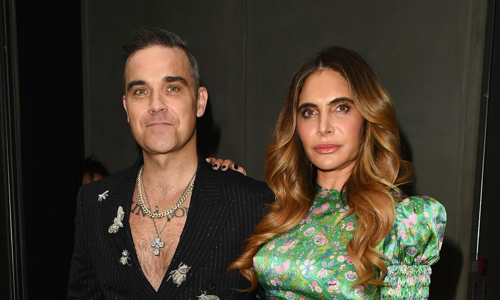 <strong>GOD STØTTE:</strong> I snart ti år har Robbie Williams vært gift med Ayda Field, og han skryter ofte av måten hun har backet ham opp på i tunge tider. Foto: NTB Scanpix