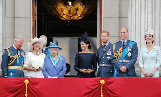 KONGEFAMILIEN: Meghan erkjenner at det ikke har vært helt enkelt å bli en del av den britiske kongefamilien - og samtidig et yndet objekt for paparazzi-pressen. Her fra Buckingham Palace i juli 2018. FOTO: NTB scanpix
