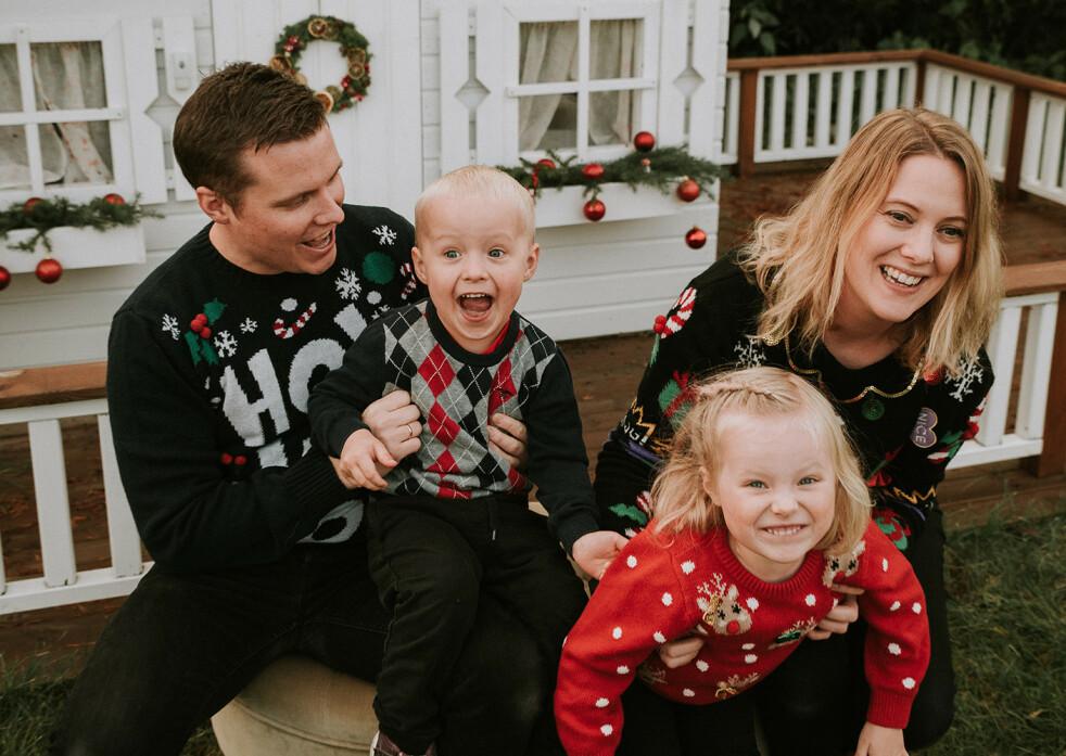 PÅ TIDE MED JULEKORT: Julekort-fotografering har blitt en kjær tradisjon i mange familier. Her er tipsene som gir deg de beste bildene! FOTO: Tanja Skoglund, TS Foto