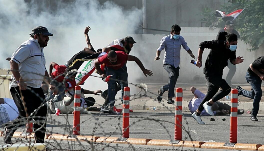 Minst 23 personer drep i voldsomme demonstrasjoner i Irak