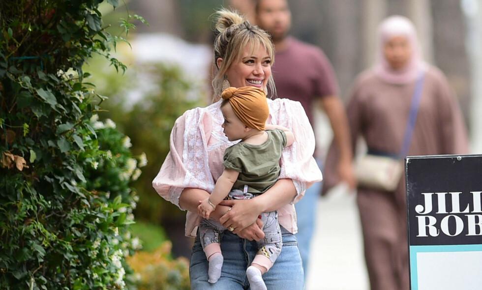 BURSDAGSBARN: Hilary Duffs datter fylte ett år denne helgen, og i den anledning delte den stolte moren en rekke bilder på Instagram. Foto: NTB Scanpix