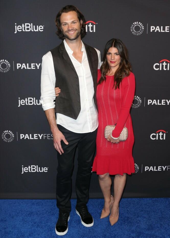 BARNEFRI: Jared og Genevieve Padalecki har tre barn sammen. Her var ekteparet på rød løper i fjor. Foto: NTB Scanpix