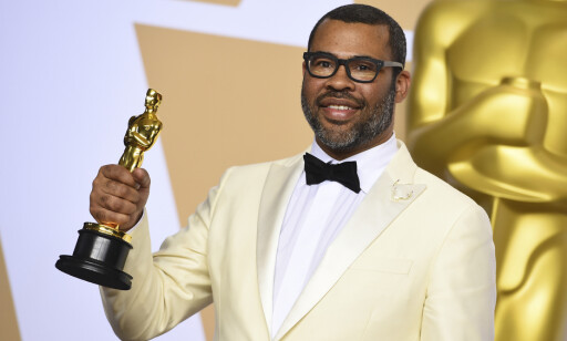 GET OUT: Jordan Peele vant pris for filmen Get Out. Foto: Jordan Strauss/Invision/AP.