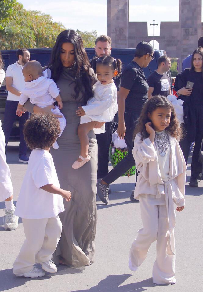 North, Saint, Chicago og Psalm er navnene til barna til Kim Kardashian og Kanye West. Foto: NTB Scanpix