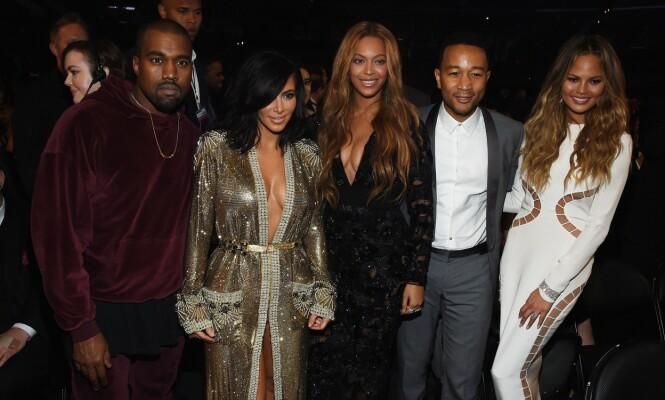 <strong>VENNER:</strong> John Legend og Chrissy Teigen er ikke så nære venner med Kim Kardashian og Kanye West som man kanskje har trodd. Foto: NTB Scanpix