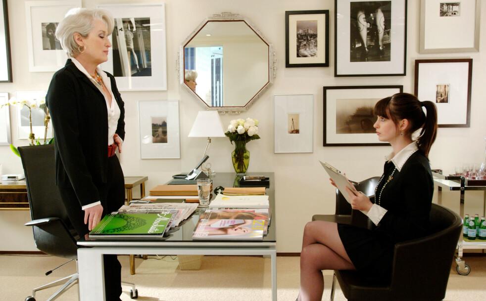 THE DEVIL WEARS PRADA: Filmen har en stjernerekke av skuespillere, blant annet Anne Hathaway og Meryl Streep. En av de måtte kjempe for rollen. Foto: NTB Scanpix