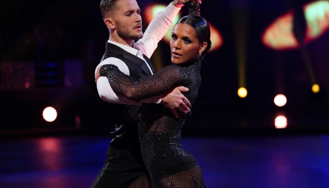 WIENERVALS: Jørgine Massa Vasstrand og Jørgen Nilsen fikk 40 poeng for sin første dans. Foto: TV 2 / NTB Scanpix