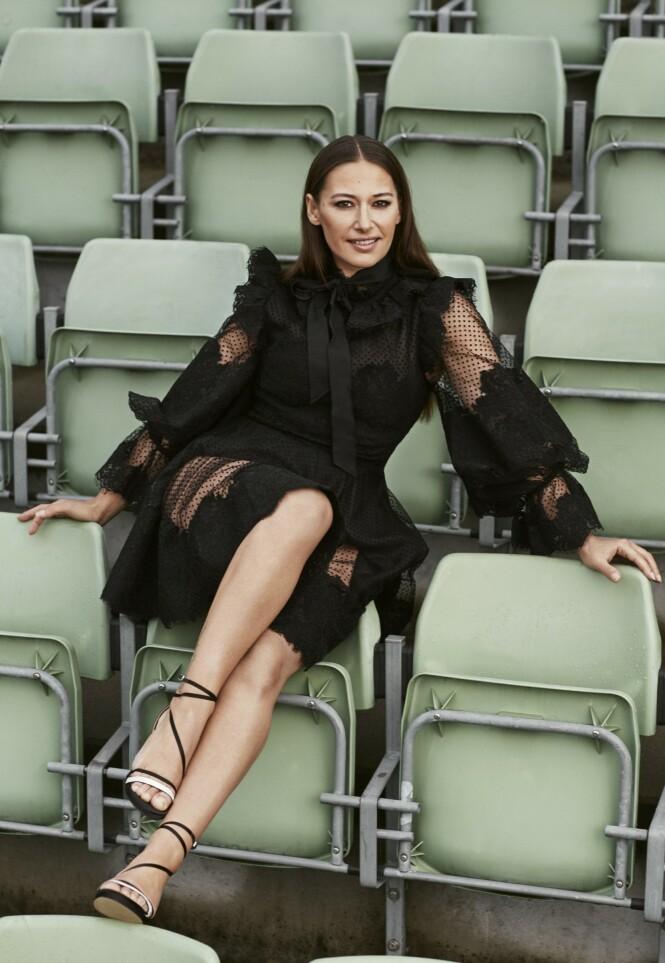 Kjole fra Zimmermann og sko fra H&M. Foto: Truls Qvale for KK og Se og Hør