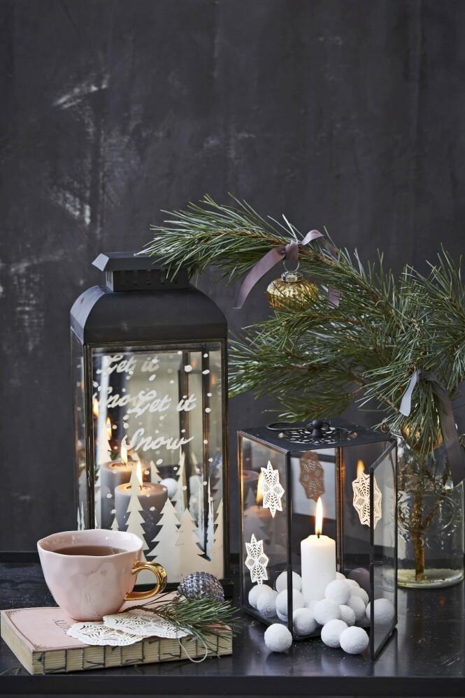 Lanterner og papirklipp fra   Ib Laursen, kopp fra Good Brands, julekuler og bånd fra Bungalow,   samt Posca penn fra Panduro Hobby. FOTO: Stine Christiansen