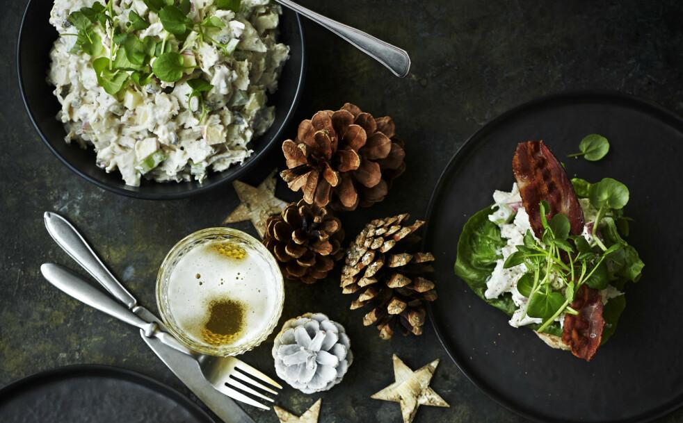 PÅLEGG: Den hjemmelagete kyllingsalaten blir et populært innslag på julefrokostbordet. FOTO: Betina Hastoft