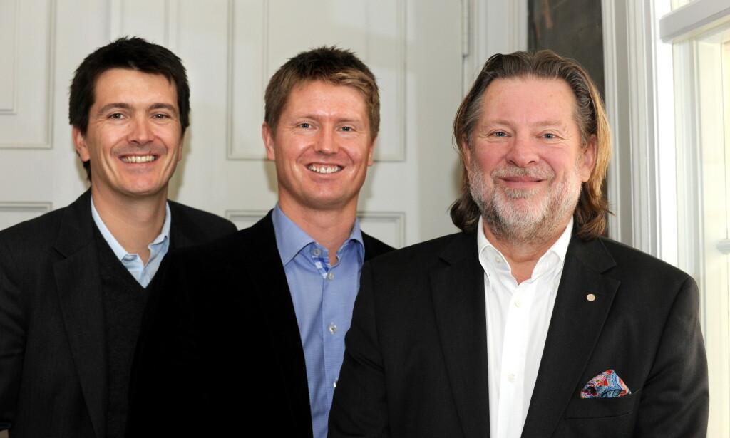 FAMILIE: Reitan-familien, fra venstre Ole-Robert, Magnus og far Odd Reitan, har i en årrekke vært høyt oppe på formuetoppen i Norge. Foto: Ned Alley / Scanpix