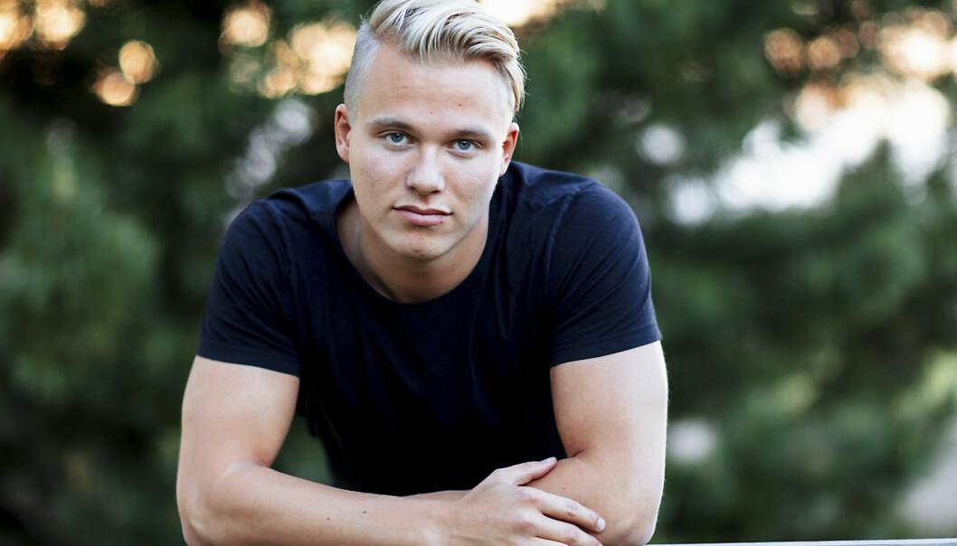 <strong>UTFORDRENDE KJENDISTILVÆRELSE:</strong> Erik Sæter mener folk er ute etter å provosere på grunn av at han er tidligere reality-deltaker. Foto: TV 2