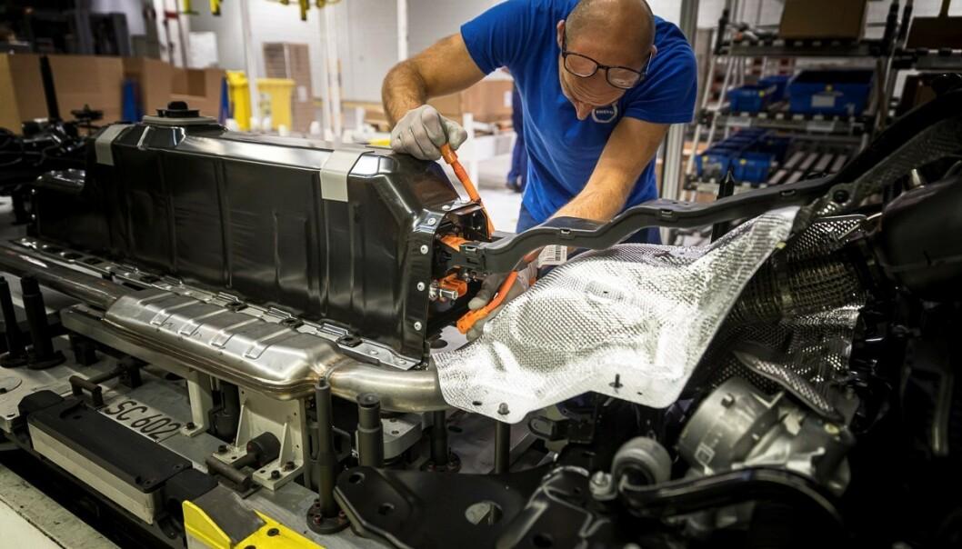 SPORES: Opphavet til råvarene fra celleprodusenten CATL skal kunne spores gjennom blokkkjedeteknologi. Foto: Volvo