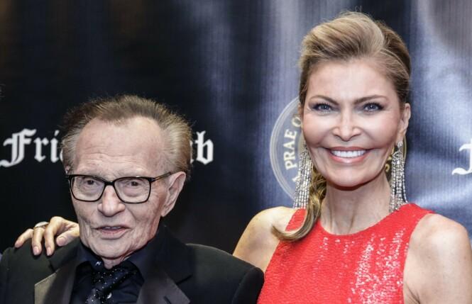 BRUDD: Etter 22 års ekteskap har 85-åringen Larry King tatt ut skilsmisse mot kona Shawn King. Dette bildet er fra 2018. FOTO: NTB scanpix